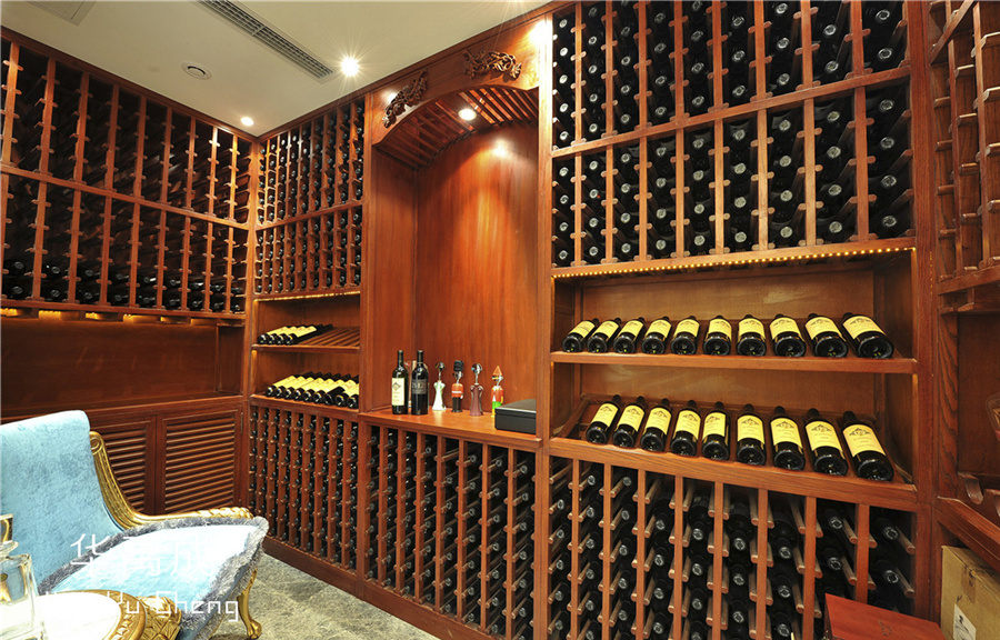 原木整木定制酒柜有什么款式?